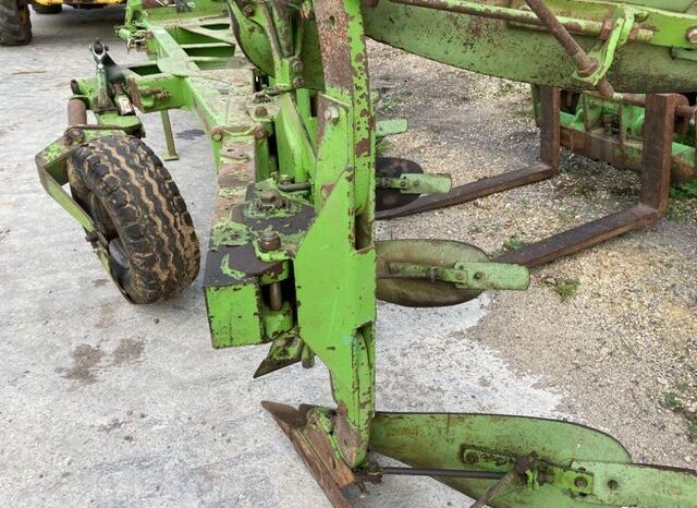 Dowdeswell DP120S Delta Furrow Plough £3,250 for sale in Gloucestershire full