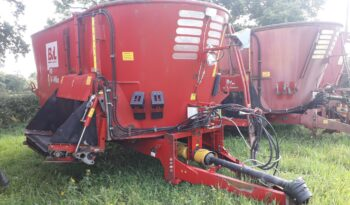 Used BVL V-Mix 17N-2S Twin Auger Diet Feeder full